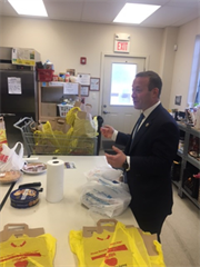 Rep Gottheimer Visits Mahwah Center For Food Action Us